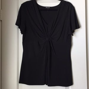 Daisy Fuentes black, knotted v-neck front top.